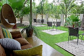 The Elegant Guesthouse, Accommodation in Klein Windhoek
