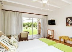 En-suite room at Bydand B&B near Addo Elephant Park