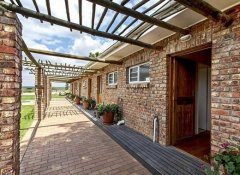 Private room entrances at Bydand Bed & Breakfast in Addo