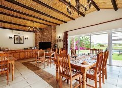 Dining room at Bydand Bed & Breakfast in Addo