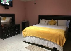 Essence of Africa Guesthouse, Accommodation in Windhoek