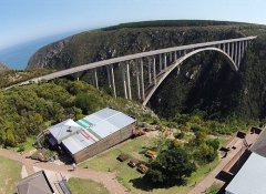 Bungy Jumping from Bloukrans Bridge with Face Adrenalin