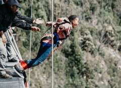 Bungy Jumping with Face Adrenalin in Plettenberg Bay
