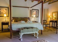 Romantic bedroom in Honeymoon Cottage at Hawklee