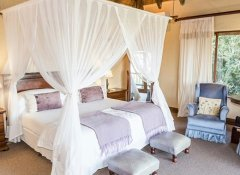 Luxury en-suite chalet at Hitgeheim Country Lodge in Addo