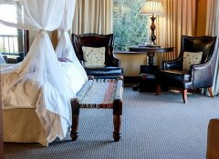 Superior guest room at Hitgeheim Country Lodge in Addo
