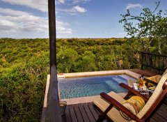 Private plunge pool at Hitgeheim Country Lodge in Addo