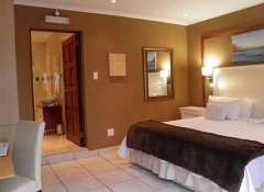 Homestay Travel, Accommodation in Johannesburg, Gauteng
