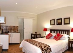 Lalapanzi Guest Lodge, Accommodation in Port Elizabeth