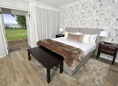 Meadow room at Lythwood Lodge in uKhahlamba Drakensberg