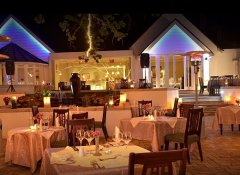 Lythwood Lodge patio and restaurant in Howick, Midlands