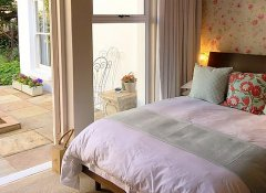 Maison Jacaranda, Accommodation in Johannesburg, Gauteng