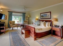 Honeymoon suite at Moorcroft Manor Drakensberg hotel