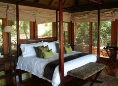 Luxury bedroom at Pumba Private Game Reserve in Grahamstown
