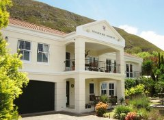 Von Abercron Residence, accommodation in Hermanus
