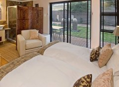 Whale Away Guest House, Accommodation in Hermanus